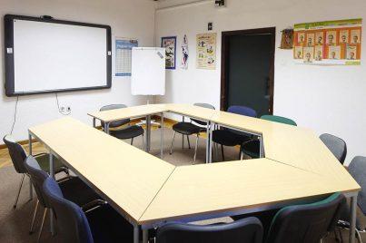 Sodobna učilnica v Yureni, šoli tujih jezikov